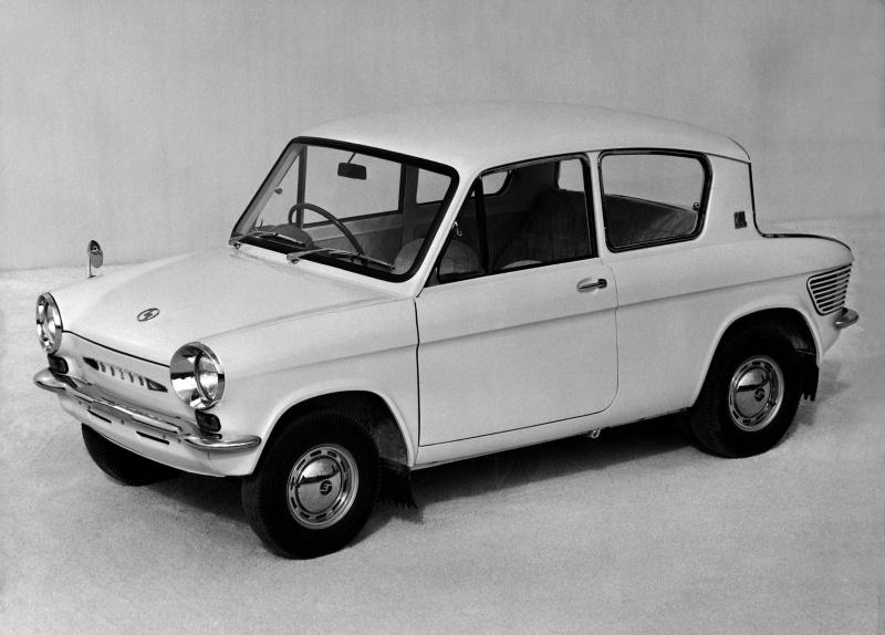 マツダ・キャロル360(1962(昭和37)年2月)。