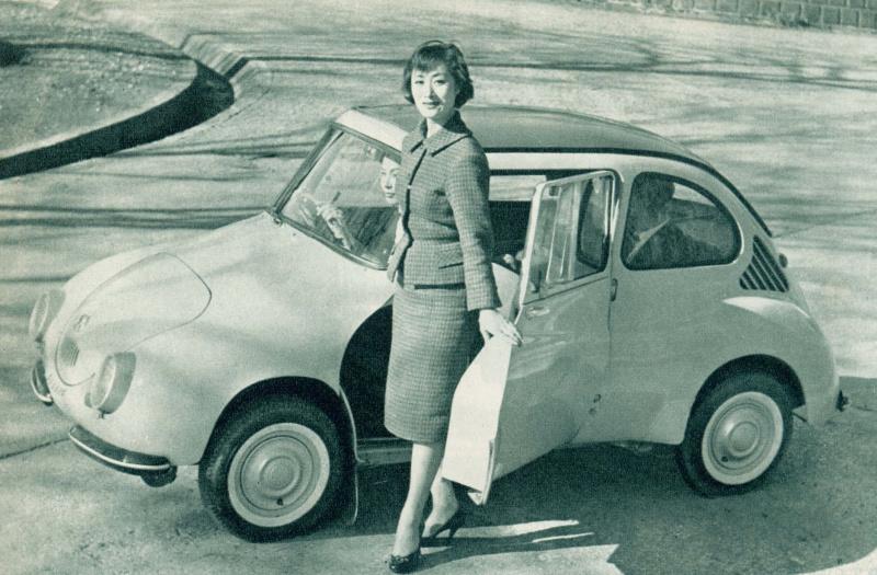 スバル360(1958(昭和33)年3月)。