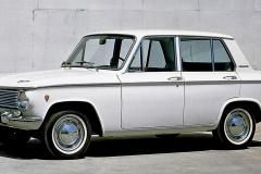 マツダ・ファミリア1000(1967(昭和42)年1月)。