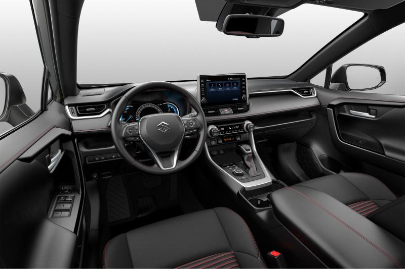 スズキのアクロスはトヨタRAV4と何が違うか
