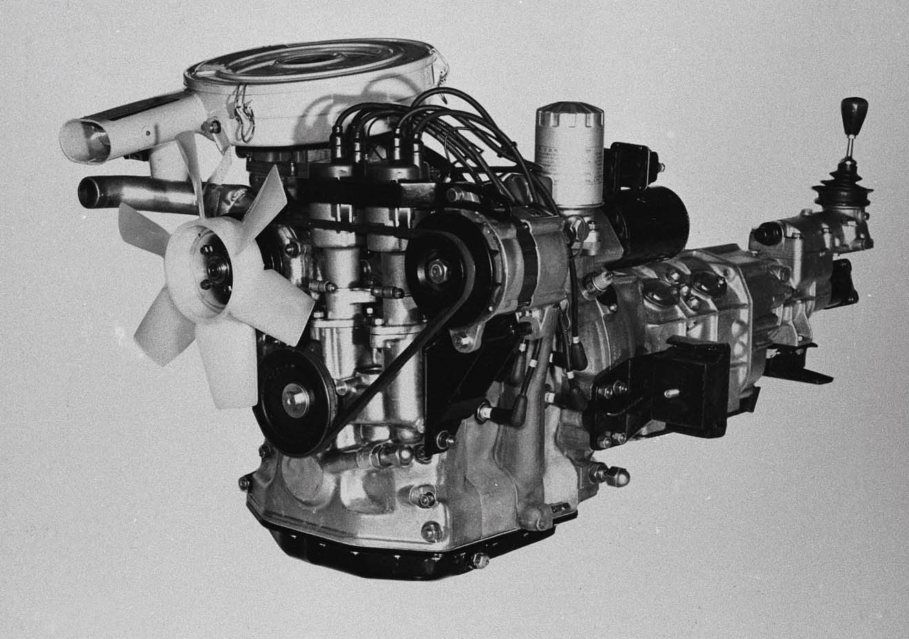L10Aエンジン。