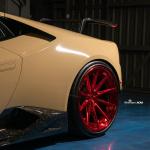 ランボルギーニ ウラカンの最新カスタムは「砂漠」がテーマ!? - lamborghini-huracan-performance-desert-sand-tan-candy-red-wheels-5
