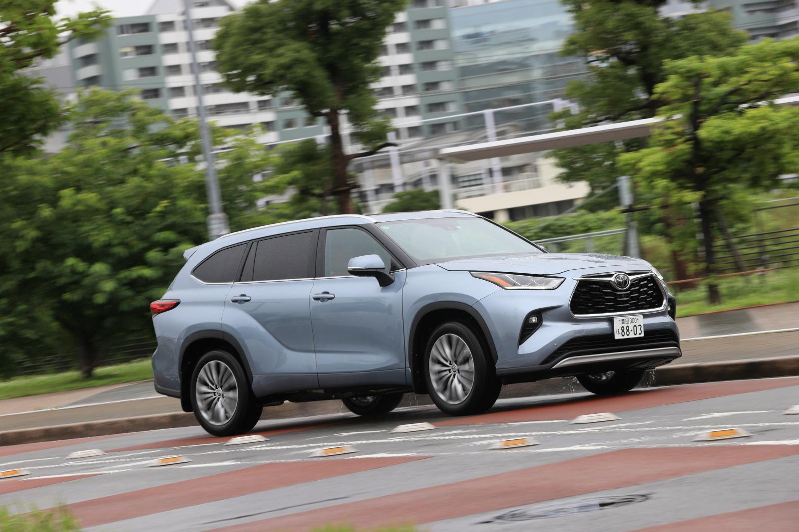 「「日本では買えない3列シートSUV」トヨタ・ハイランダーに試乗。日本では味わえない乗り味とは?」の10枚目の画像