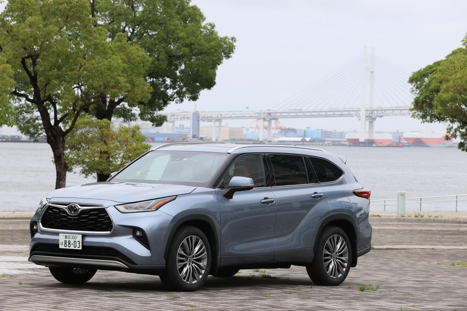 「「日本では買えない3列シートSUV」トヨタ・ハイランダーに試乗。日本では味わえない乗り味とは?」の3枚目の画像