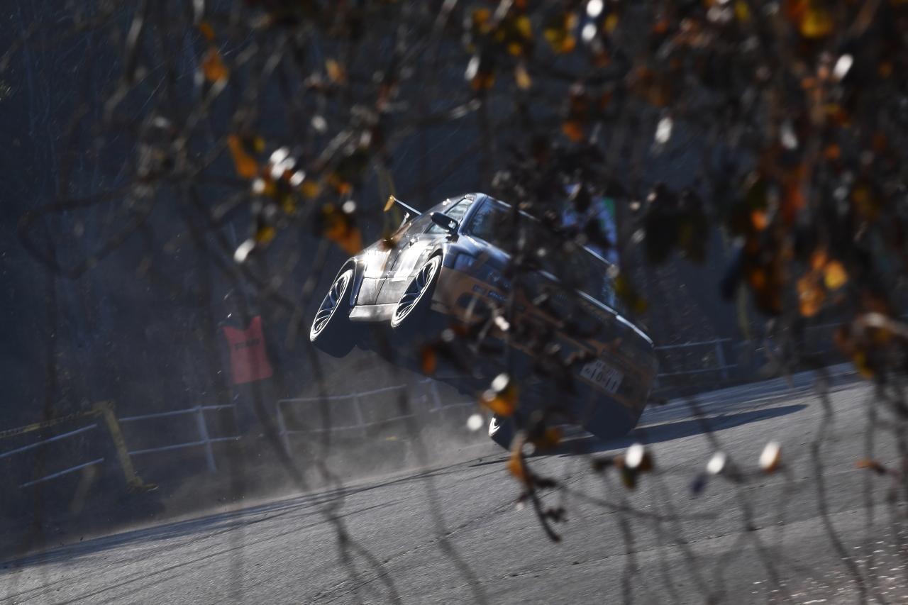 「クリッカーで活躍中のライター青山義明が愛知県岡崎市でレース写真展を開催!」の4枚目の画像
