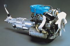 12A型エンジン。