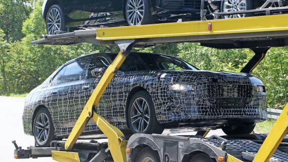 BMW i7_012