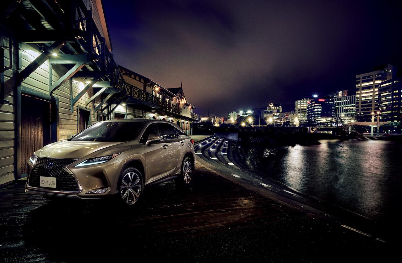 「レクサス・RXが一部改良。パーキングブレーキサポート、アクセサリーコンセントの追加などで商品力を向上【新車】」の1枚目の画像