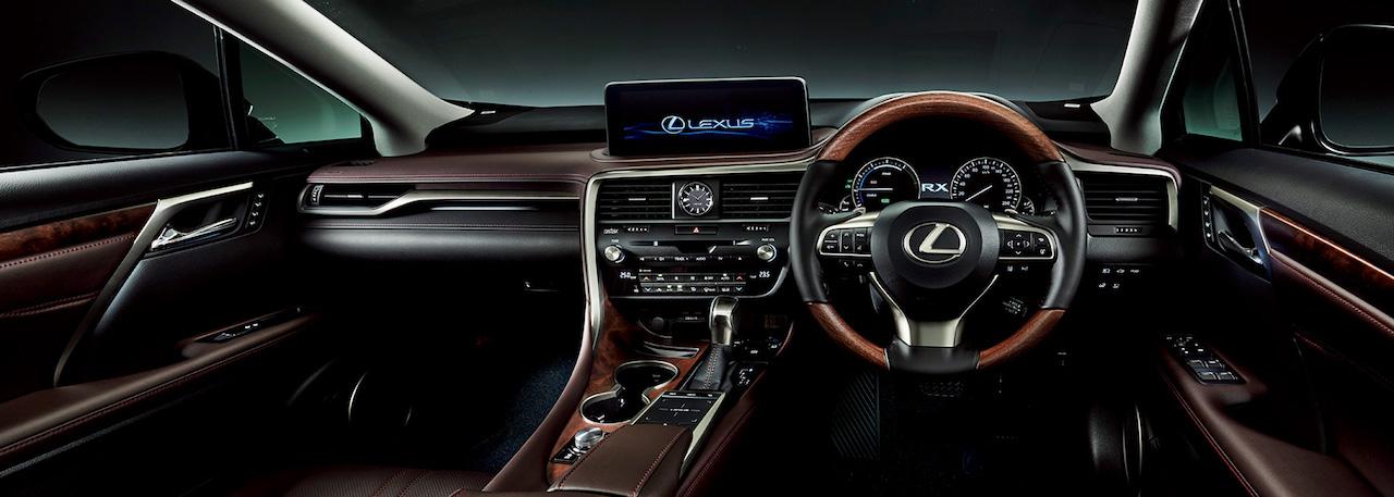 「レクサス・RXが一部改良。パーキングブレーキサポート、アクセサリーコンセントの追加などで商品力を向上【新車】」の3枚目の画像