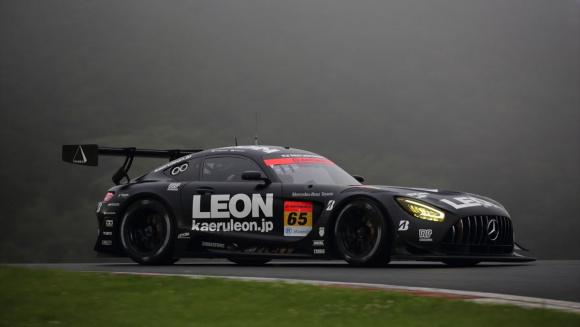 ポールポジションの65号車 LEON PYRAMID AMG