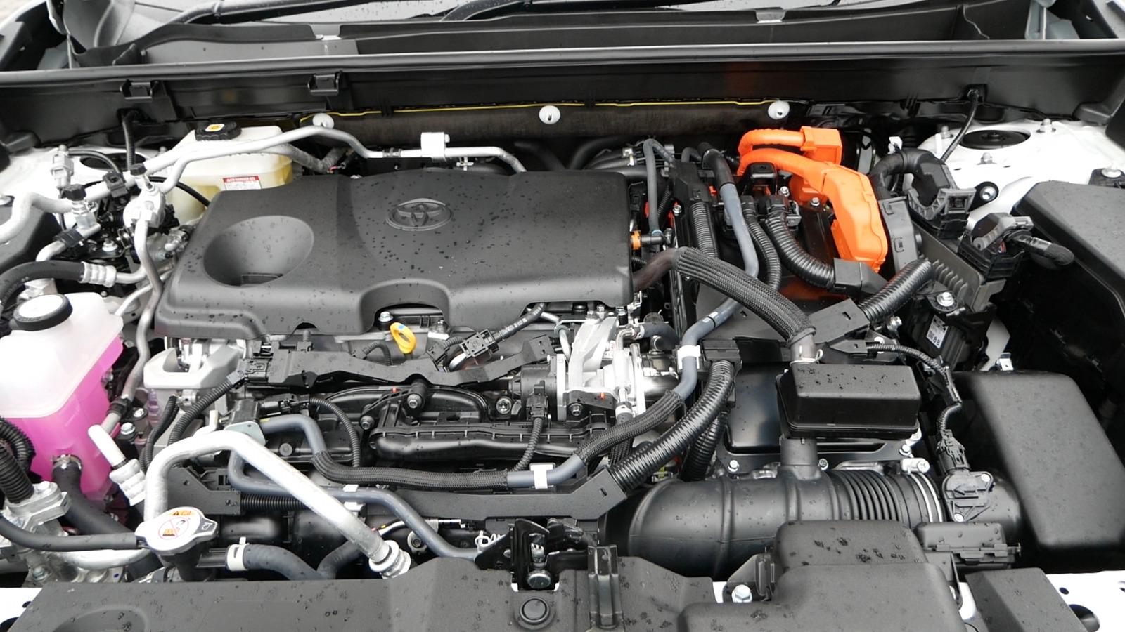 「トヨタRAV4 PHVは人気過ぎて新規受注が停止!? でも分かるわ~【TOYOTA RAV4 PHV】」の4枚目の画像