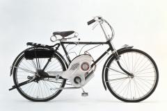 初のエンジン付き自転車パワーフリー号