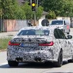 メガグリルが完全露出! BMW M3次期型、9月デビューへ - BMW M3 less camo 10