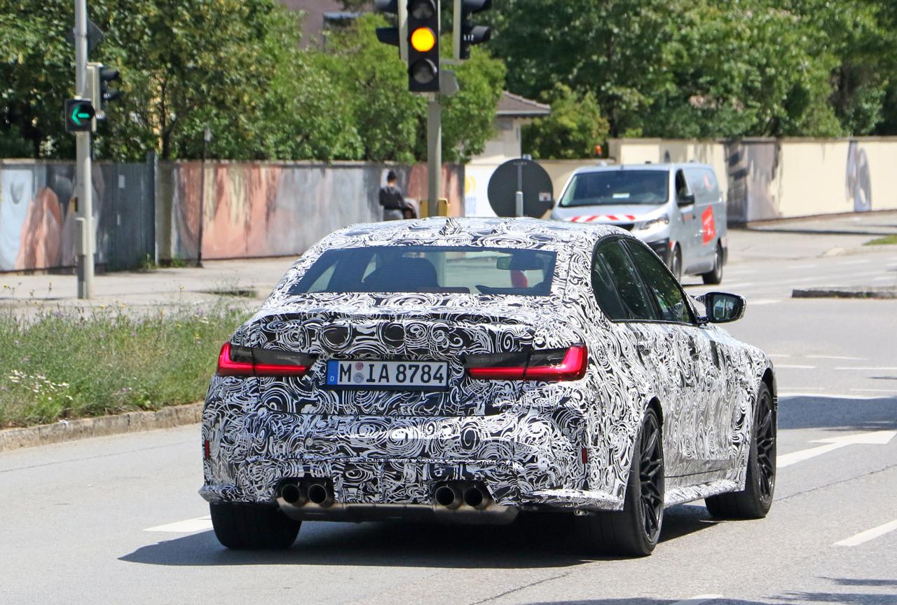 「メガグリルが完全露出! BMW M3次期型、9月デビューへ」の8枚目の画像