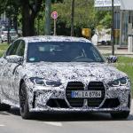 メガグリルが完全露出! BMW M3次期型、9月デビューへ - BMW M3 less camo 3