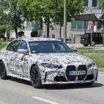 メガグリルが完全露出! BMW M3次期型、9月デビューへ - BMW M3 less camo 6