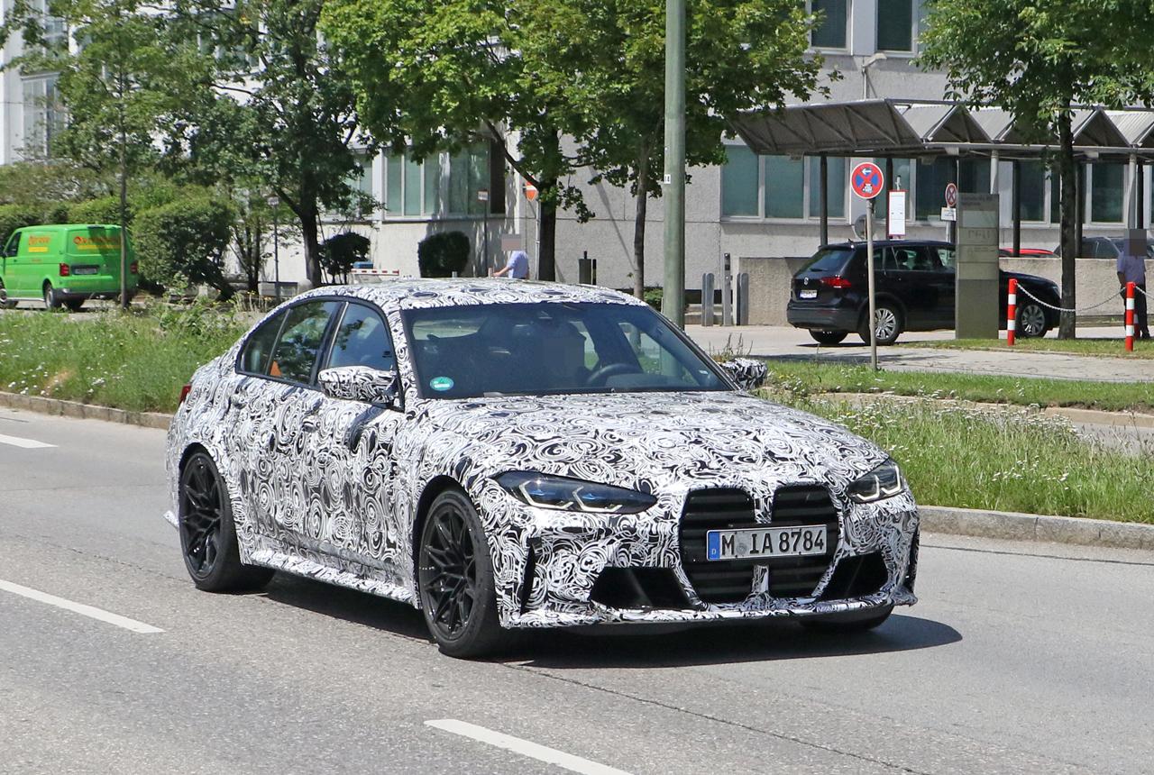 「メガグリルが完全露出! BMW M3次期型、9月デビューへ」の5枚目の画像