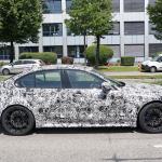 メガグリルが完全露出! BMW M3次期型、9月デビューへ - BMW M3 less camo 7