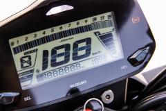 ジクサー150