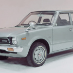 ホンダがCVCCシビックで乗り越えた排ガス規制とオイルショック、軽自動車では鈴木自動車が2ストロークで対応へ【スズキ100年史・第15回・第4章 その1】 - 1973シビック・ CVCC