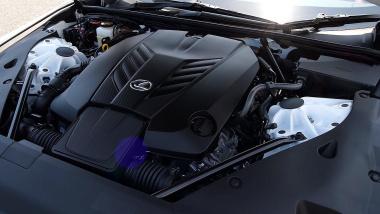 レクサスLC500 Convertibleのエンジン