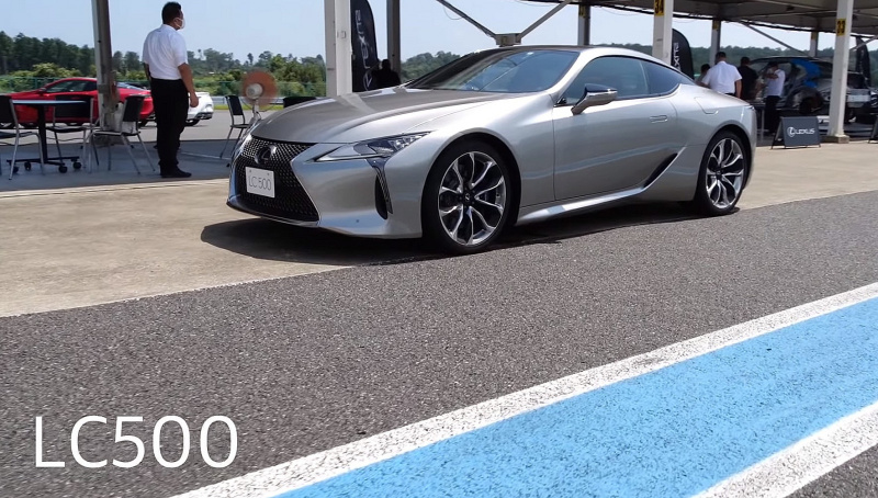 LC500クーペ