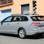 右ハンドルモデルを見つけた!新型 VWゴルフ ヴァリアント、パワートレインはどうなる? - Volkswagen Golf Variant 11
