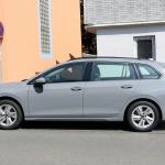右ハンドルモデルを見つけた!新型 VWゴルフ ヴァリアント、パワートレインはどうなる? - Volkswagen Golf Variant 7