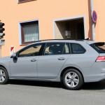 右ハンドルモデルを見つけた!新型 VWゴルフ ヴァリアント、パワートレインはどうなる? - Volkswagen Golf Variant 9