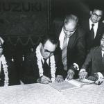 軽自動車の成功からインド市場へ。アルトベースのマルチ800が大ヒット!【スズキ100年史・第23回・第5章 その5】 - 1982年10月2日_インド・マルチ社と正式調印
