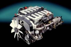 M120のV12エンジン