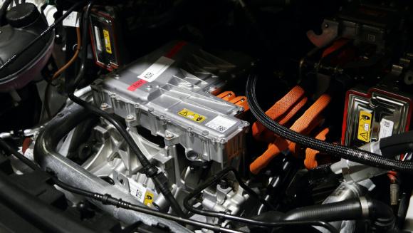 メルセデス EQC 400のモーター