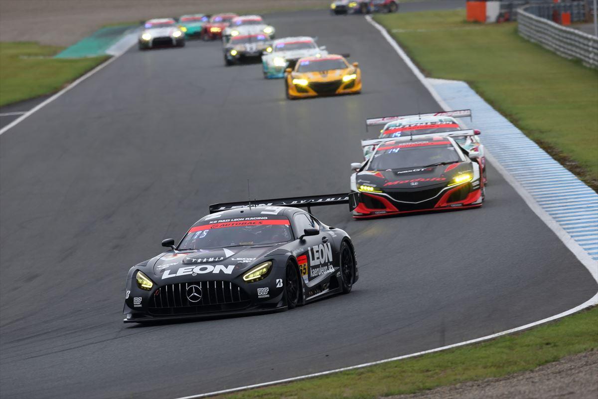 「予選13位からの大逆転! 第4戦もてぎでLEON PYRAMID AMGがタイヤ無交換で優勝【SUPER GT 2020】」の13枚目の画像