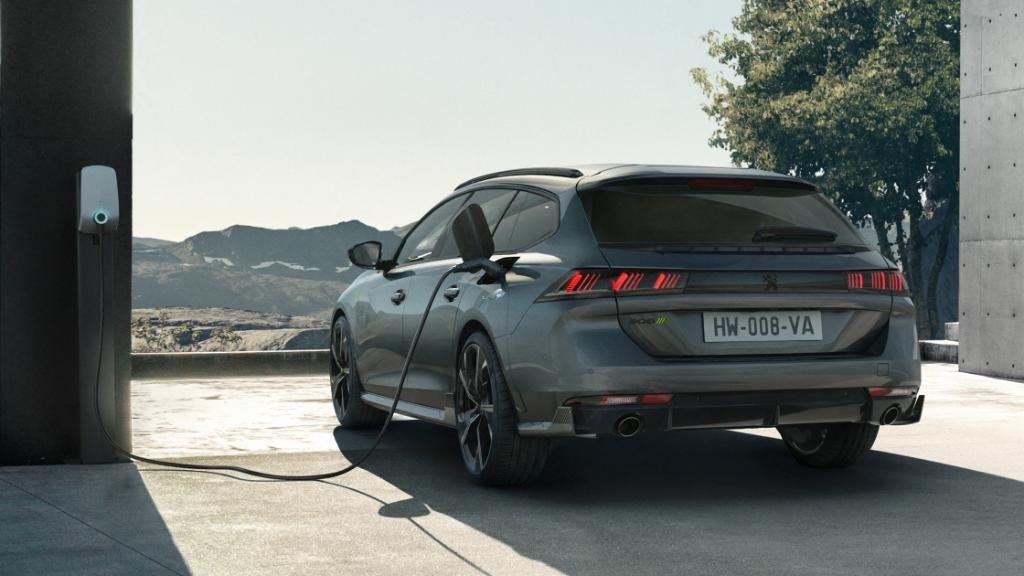 508 PEUGEOT SPORT ENGINEERED charged