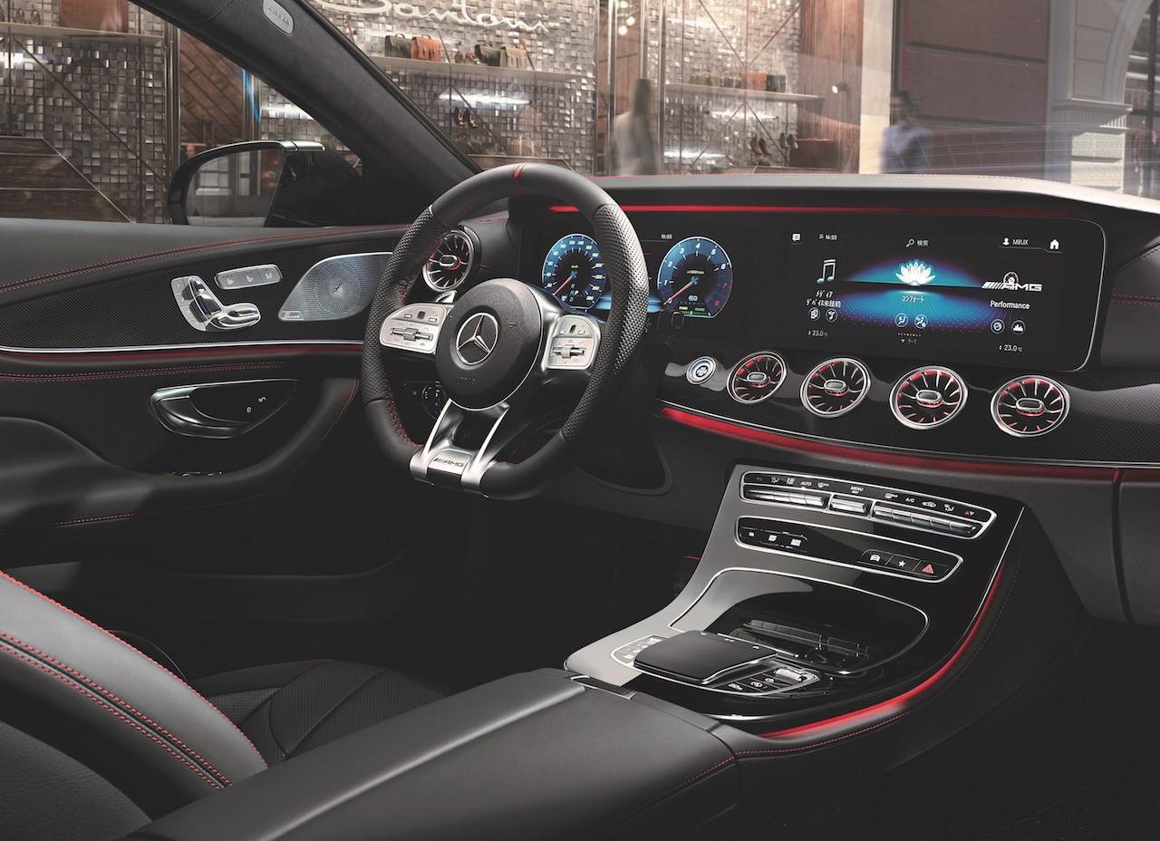 「4ドアクーペのメルセデス・ベンツCLSが対話型インフォテイメントシステムの「MBUX」、最新安全装備を標準化【新車】」の2枚目の画像