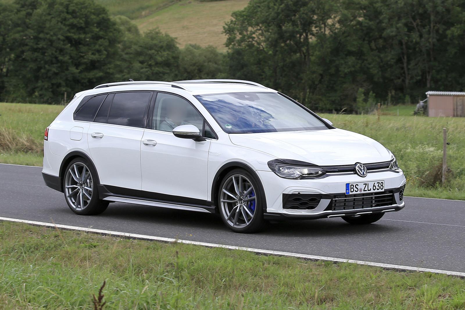 VW ゴルフR ヴァリアント_001