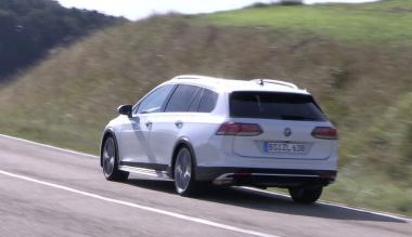 VW ゴルフR ヴァリアント_005