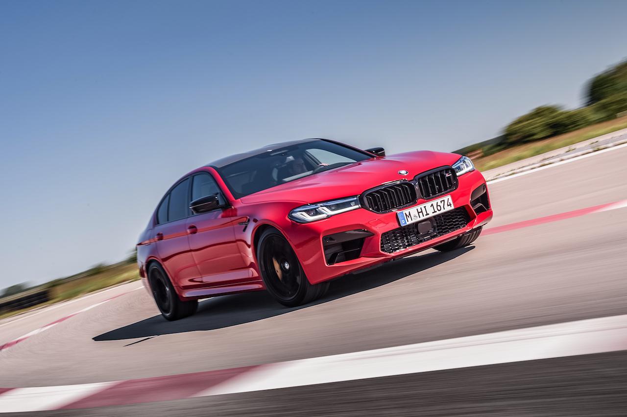 新型「BMW M5」「M550i xDrive」が登場。先進安全装備やテレマティクスを大幅に進化【新車】