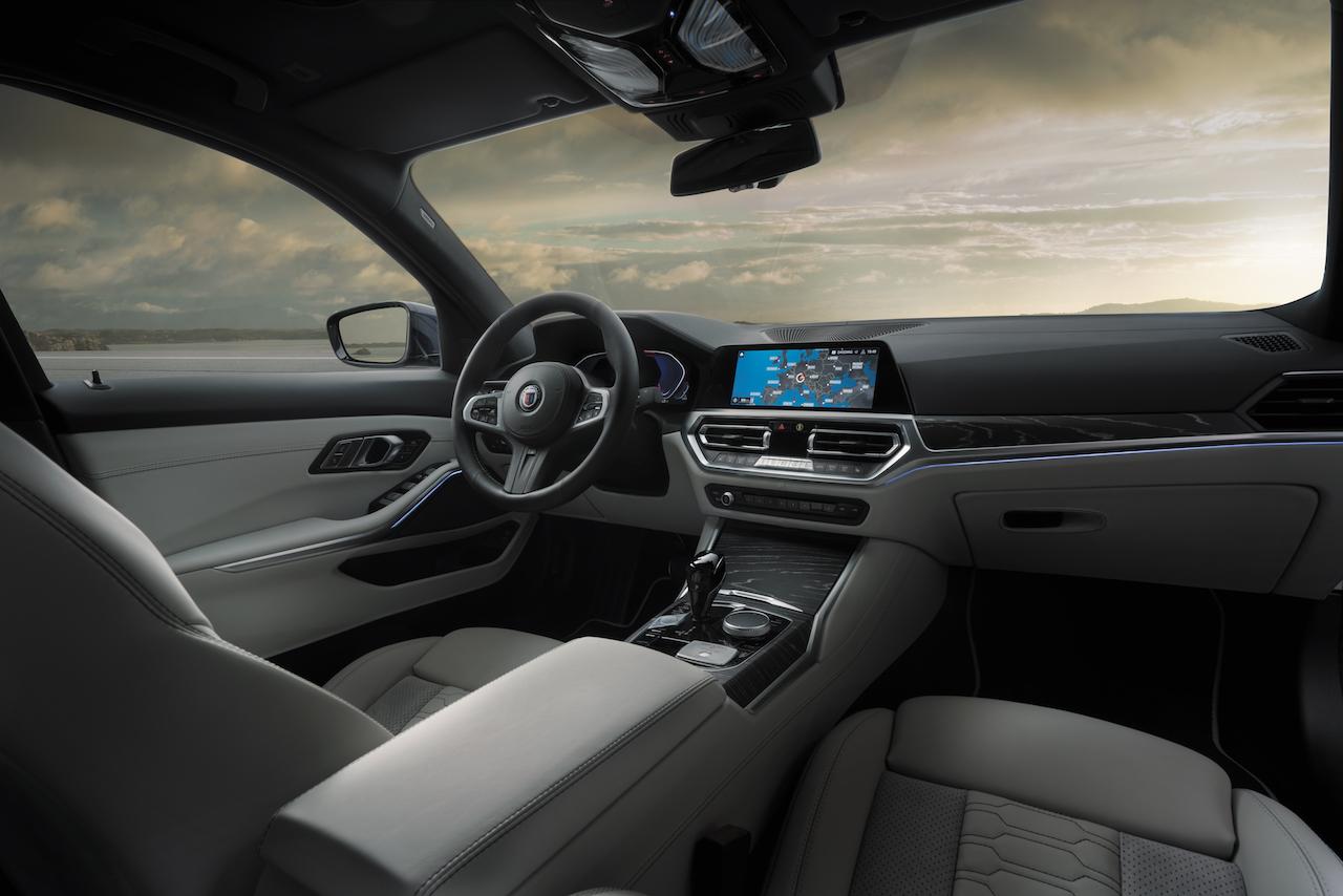 「東京モーターショー2019で披露されたアルピナの新型「B3 Limousine」「B3 Touring」の発売を開始」の1枚目の画像
