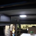 堅牢なアルミフレームの台座を使い、快適な寝心地を提供【最新キャンピングカー(軽キャンパー編)】 - campingcar_rakunerurest_20200930_2