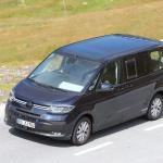 中まで丸見え! VW次世代バス「T7」、PHEVプロトをスクープ - Volkswagen T7 Multivan 25