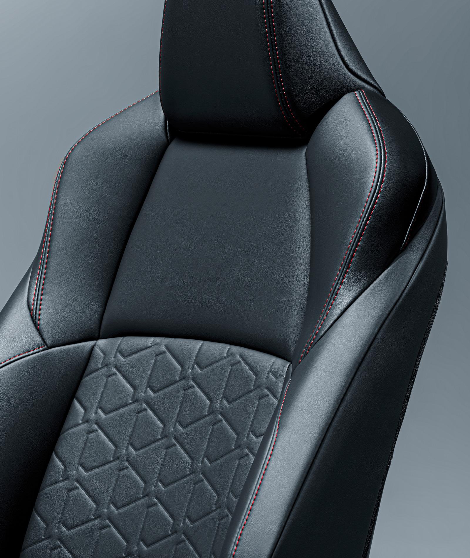 """「新型RAV4にオフロードテイストを強調した特別仕様車「Adventure""""OFFROAD package""""」が登場【新車】」の5枚目の画像"""