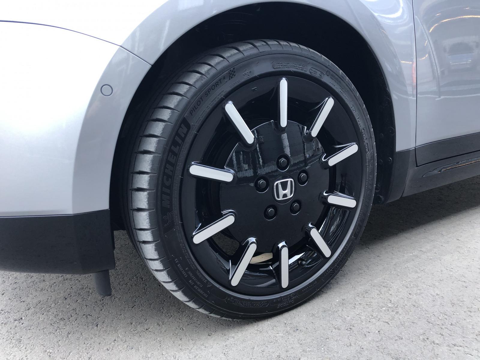 Honda_e_tyre