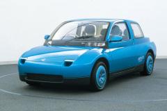 マツダの水素燃料ロータリーエンジン搭載のコンセプトカー「HR-X2」(1993年)
