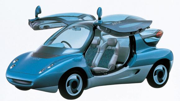 マツダの水素燃料ロータリーエンジン搭載のコンセプトカー「HR-X」(1991年)