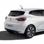 新型ルノー ルーテシアが新宿住友ビル三角広場で日本初公開 - RenaultClioHybrid_20201009