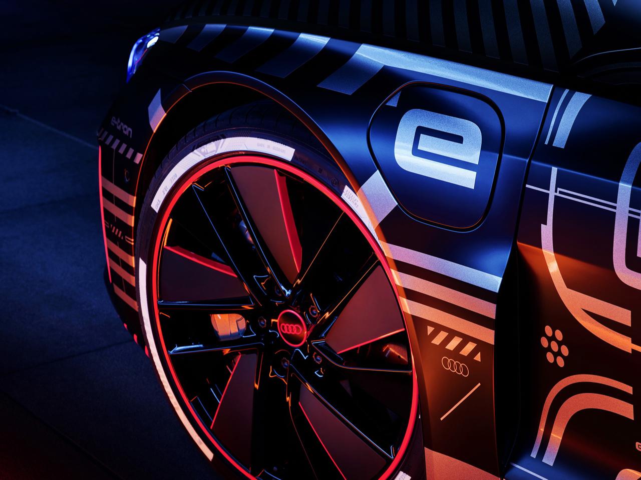 アウディ e-tron GT_010