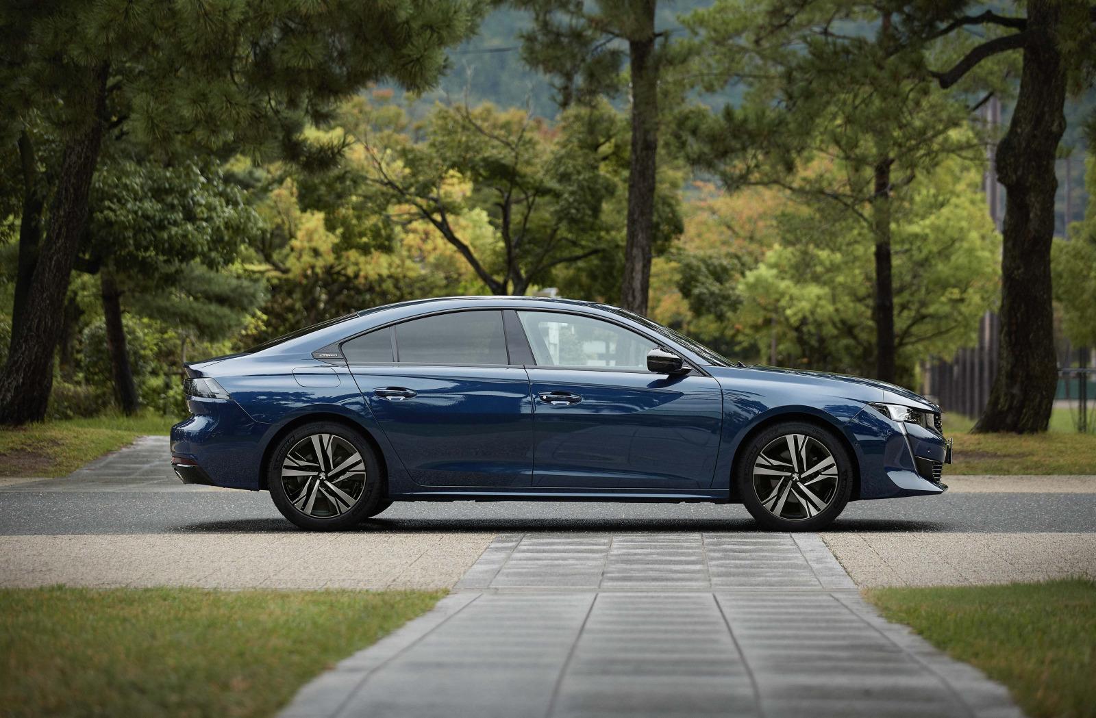 「プジョー508/508SWに人気装備を搭載した特別仕様車「Premium Leather Edition」が設定【新車】」の8枚目の画像
