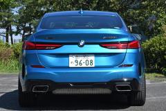 BMW M235i XGC真後ろ