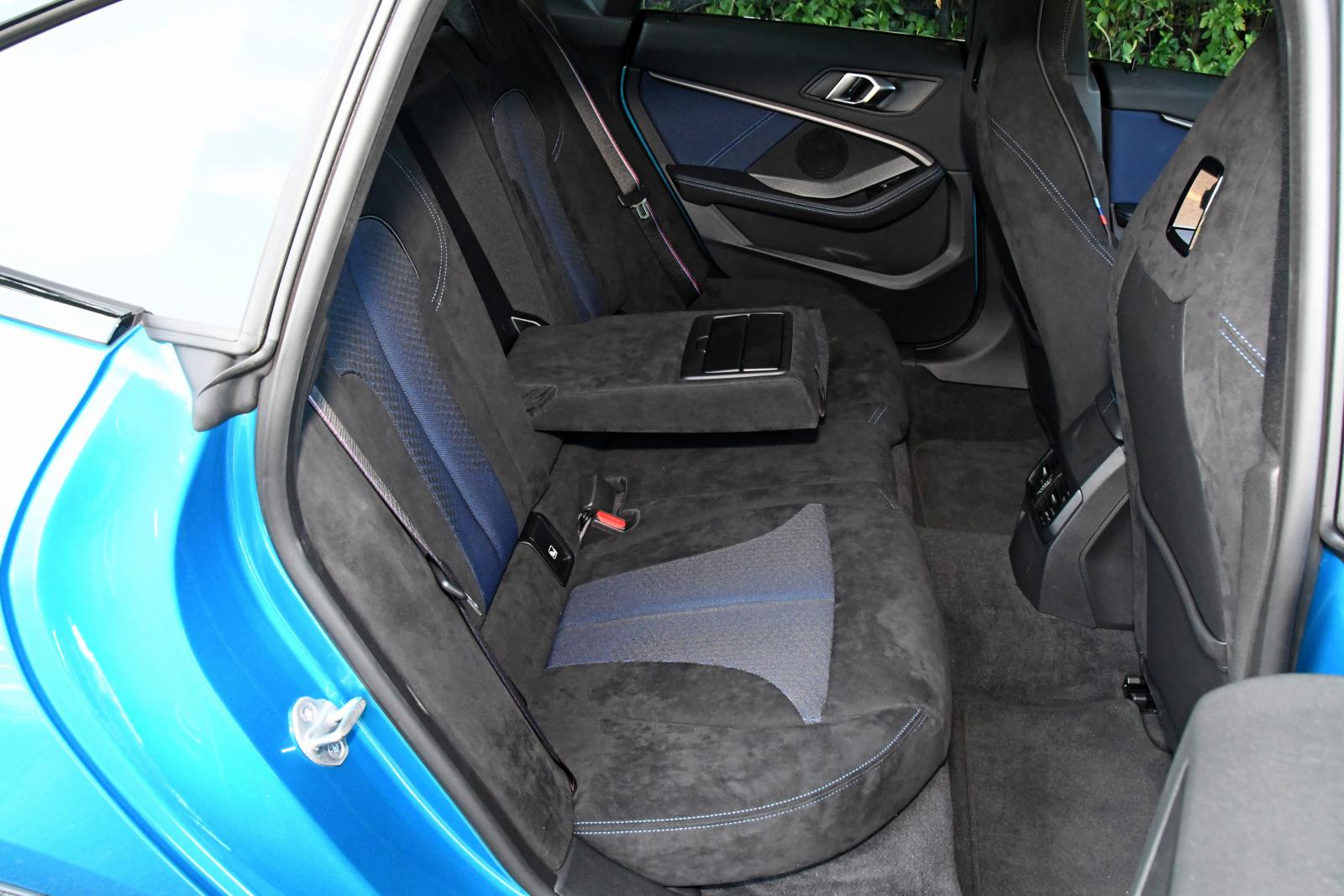 「FFベース4WDの味付けに開眼したBMW 【BMW M235i Xドライブ グランクーペ試乗】」の6枚目の画像